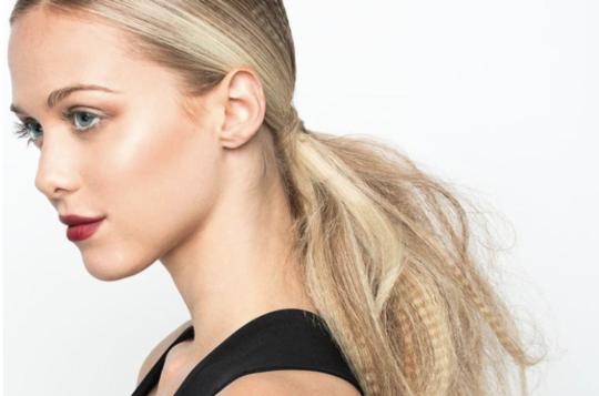 Karbowane Włosy – Gorący Trend Powraca!